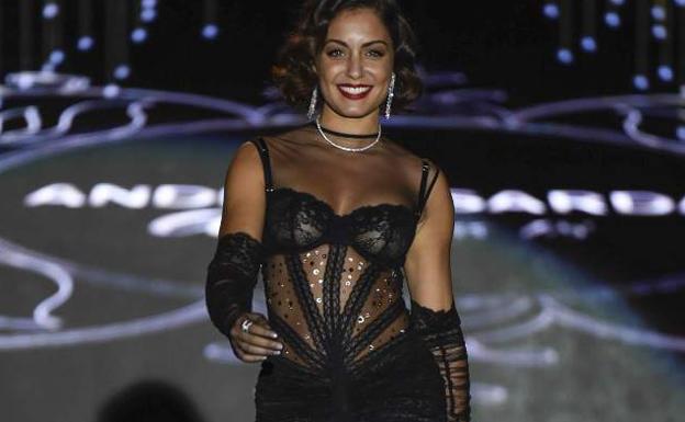 El escandaloso estreno de Hiba Abouk como modelo de pasarela