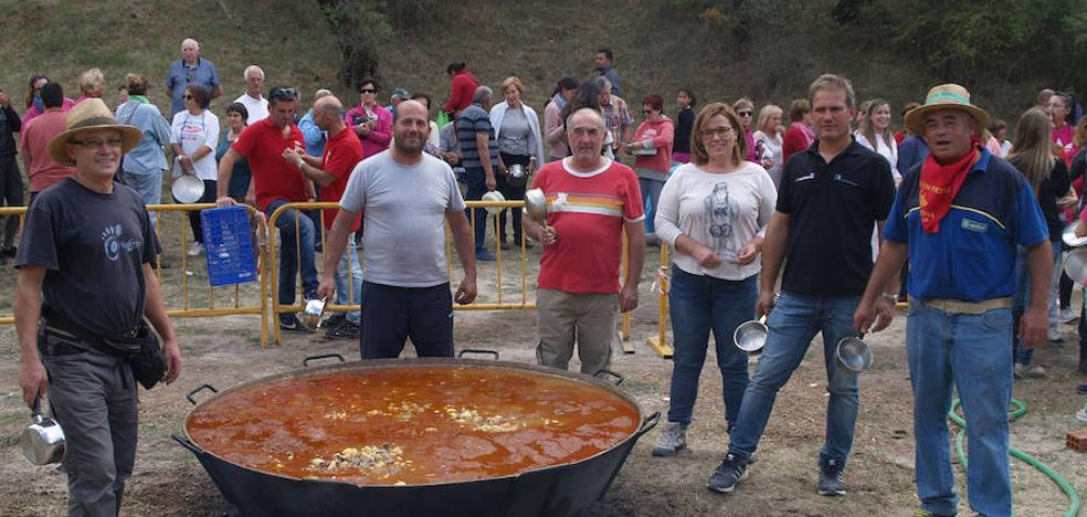 Patatas con carne y humor para despedir las fiestas de Vallelado