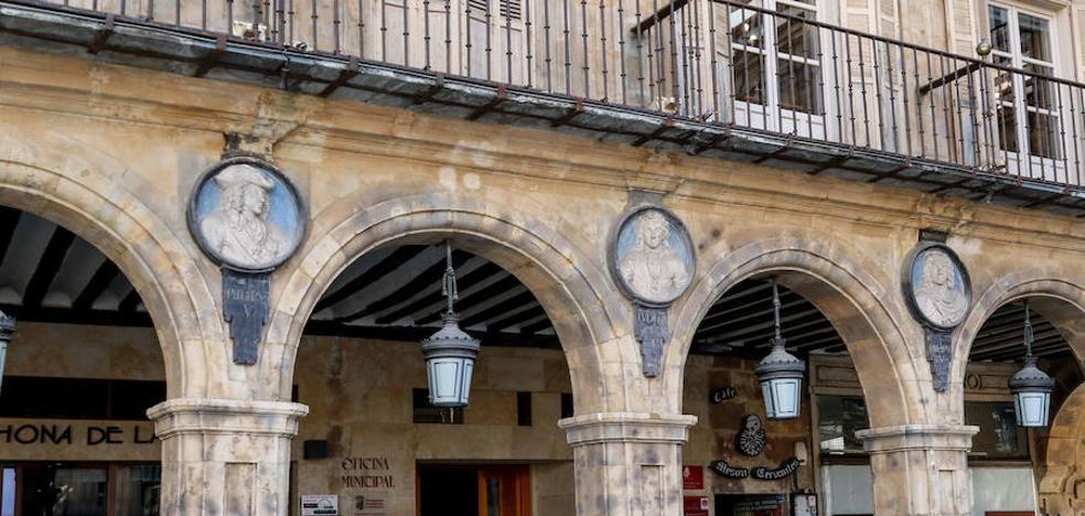 El Ayuntamiento y la Usal impulsarán la talla de un medallón al rey Alfonso IX en la Plaza Mayor