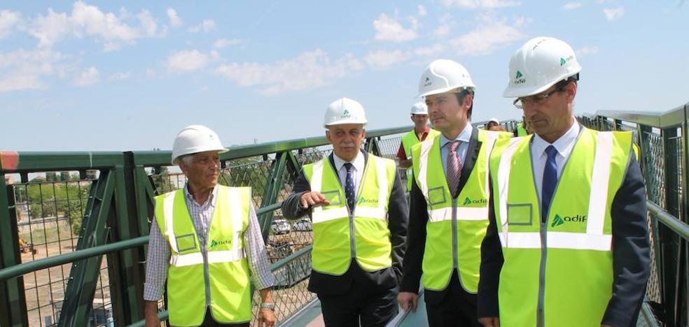 Adif abre mañana al tránsito peatonal la nueva pasarela situada en la estación de Zamora