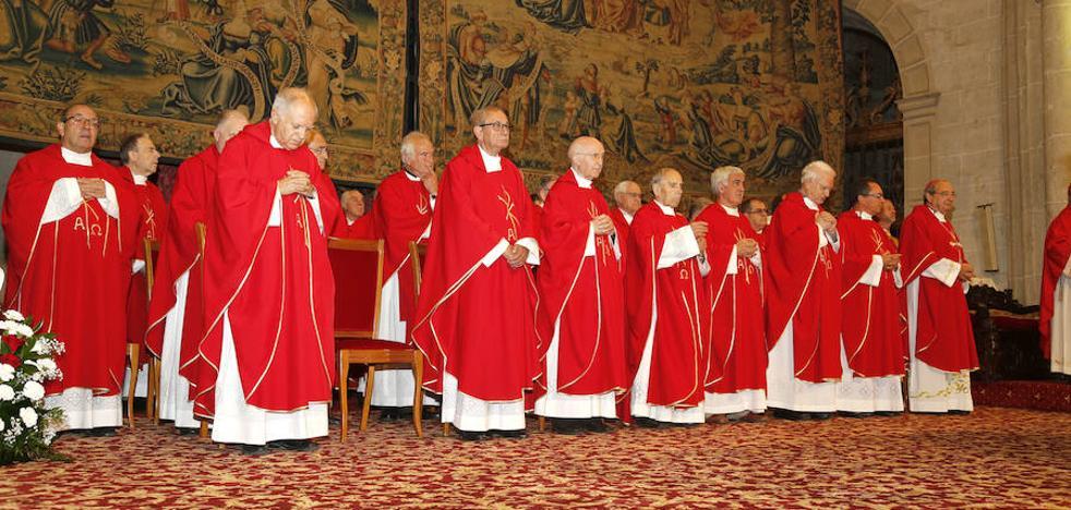 El obispo de Palencia ampliará el cabildo de la catedral