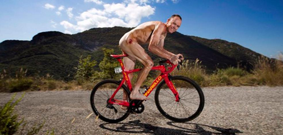 Chris Froome muestra su «ridículo cuerpo» desnudo
