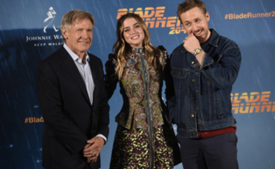Ana de Armas regresa a España junto a Ryan Gosling y Harrison Ford