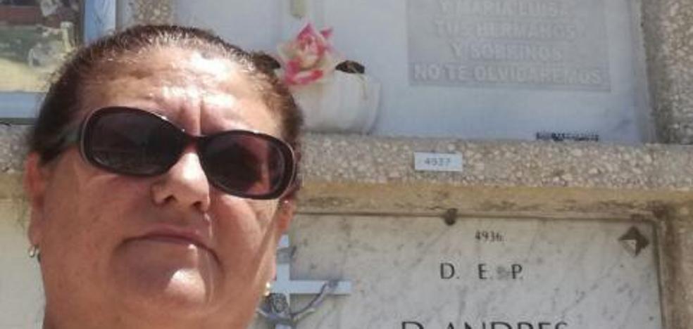 Reclama que se abra una tumba «para demostrar que está viva»