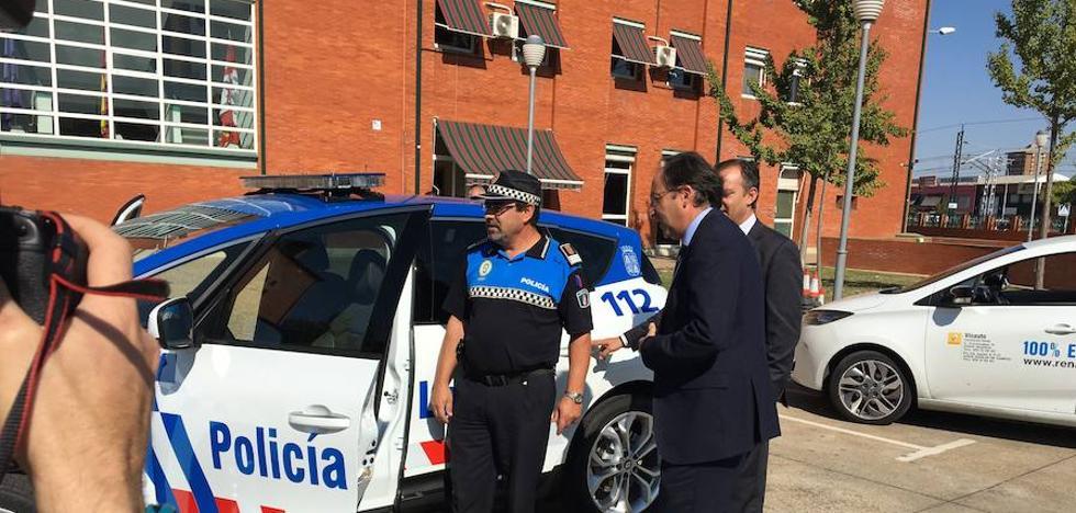El alcalde apoya la filosofía smart city para el cuerpo de policia