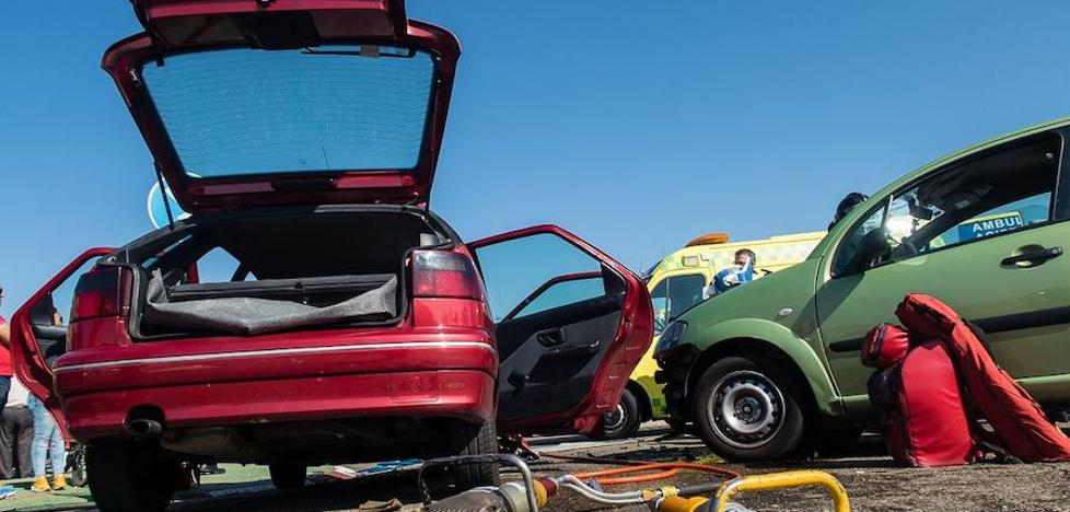 Un aparatoso accidente en Veguellina de Órbigo se salda con cinco heridos leves