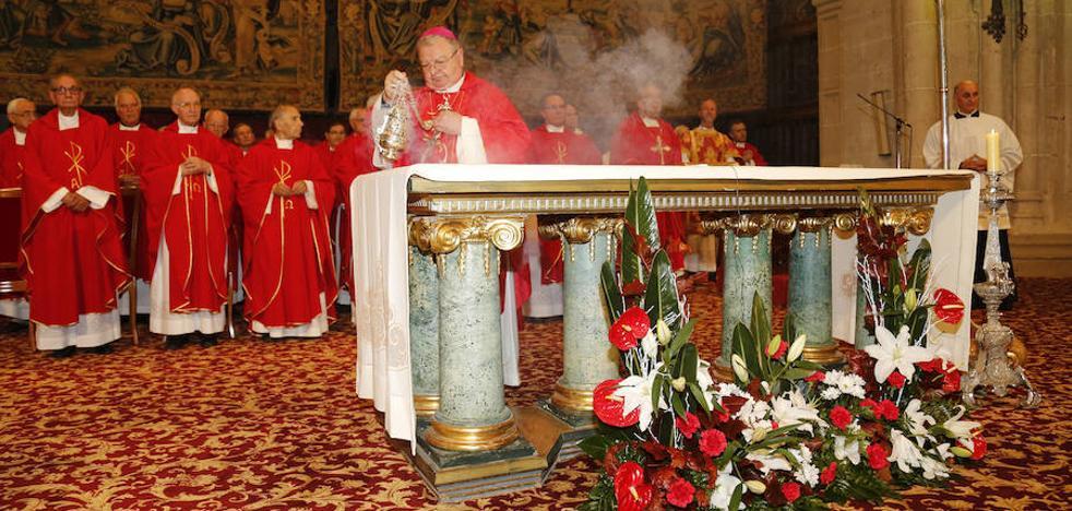 El obispo de Palencia refuerza la Oficina de Comunicación con el sacerdote Julio José Gómez