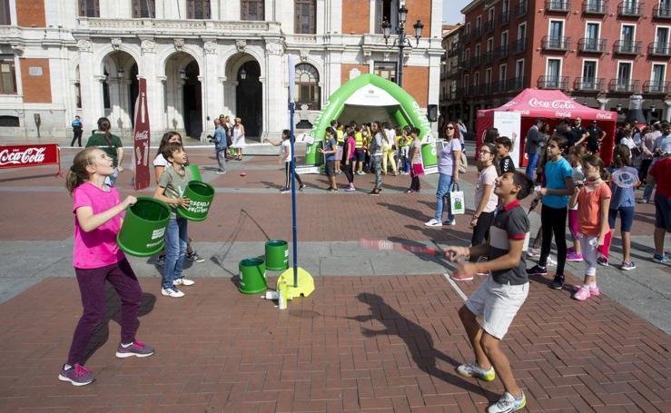 Reciclaje y deporte se dan la mano en la Plaza Mayor de Valladolid