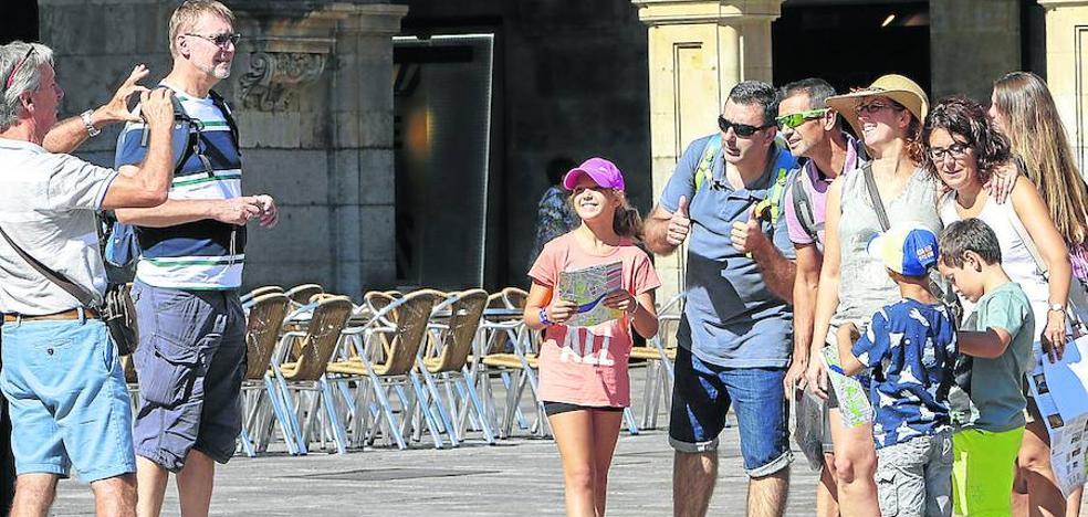 Salamanca mejora sus cifras de turistas y de pernoctaciones