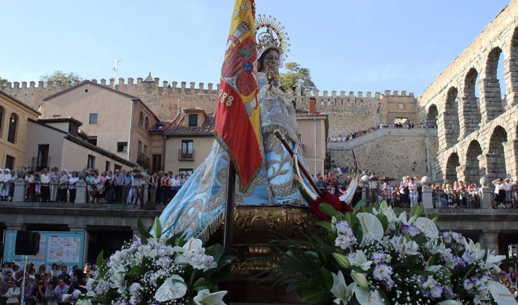 Bajada de la virgen de la Fuencisla a su santuario