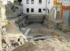 Piden protección para los restos de la calle San Pablo y las estatuas de Damián Villar