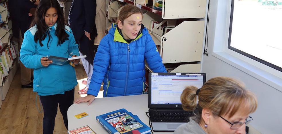 Los bibliobuses de la Diputación de Segovia visitarán 133 municipios