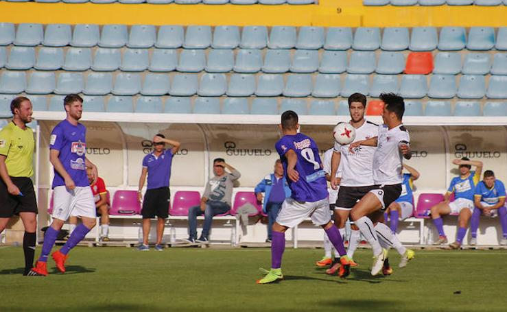 Partido entre el CF Salmantino y La Bañeza