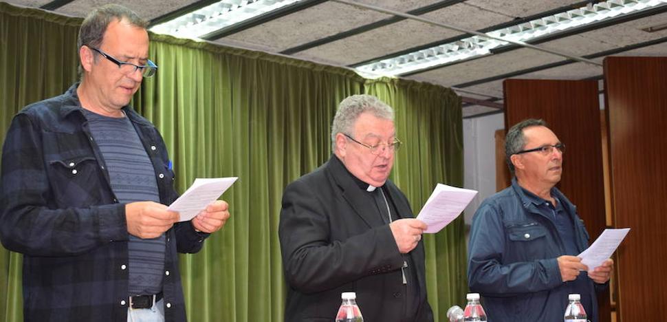 El obispo de Palencia llama a los sacerdotes a poner énfasis en las vocaciones