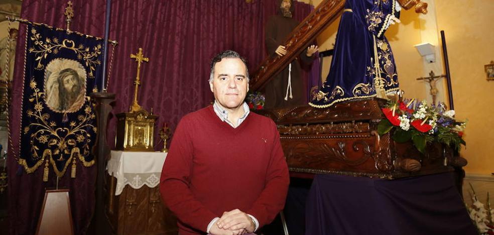 Los nazarenos de Palencia eligen a su hermano mayor