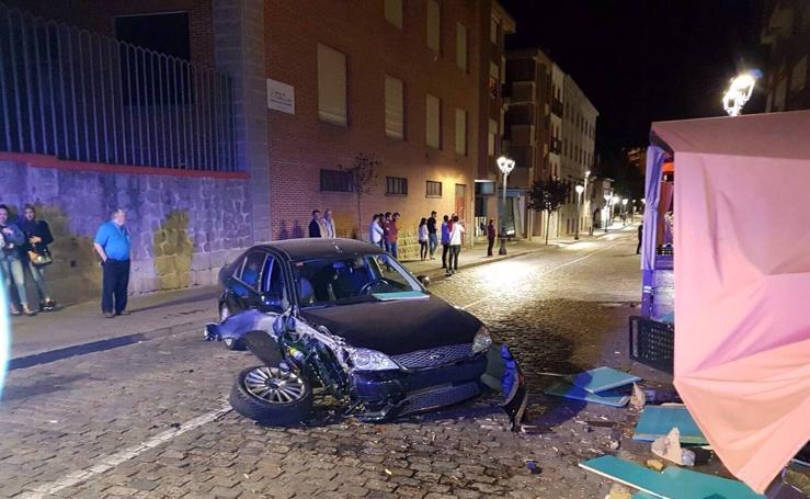Empotra su coche contra una discoteca en Ávila