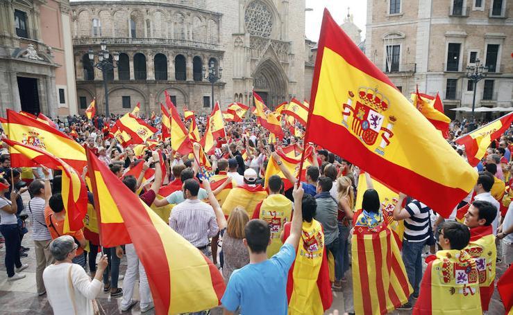 Las protestas contra el referéndum catalán, en imágenes