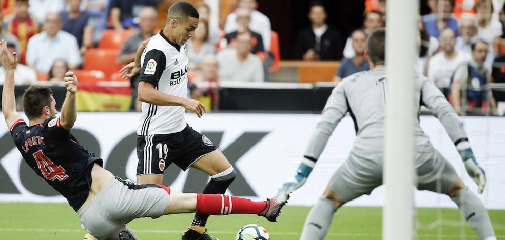 El Valencia doblega a un Athletic que no arranca