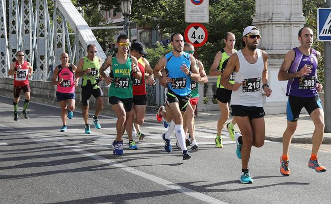 Jorge Nieto y Elena Ugena, ganadores de la Media Maratón El Norte de Castilla