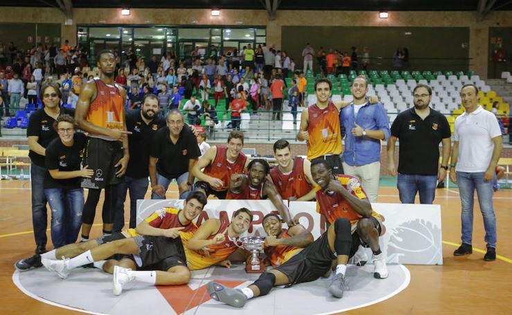 Final de la Copa EBA de baloncesto masculino entre el Aquimisa Carbajosa y el Basket Burgos 2002 (65-60)