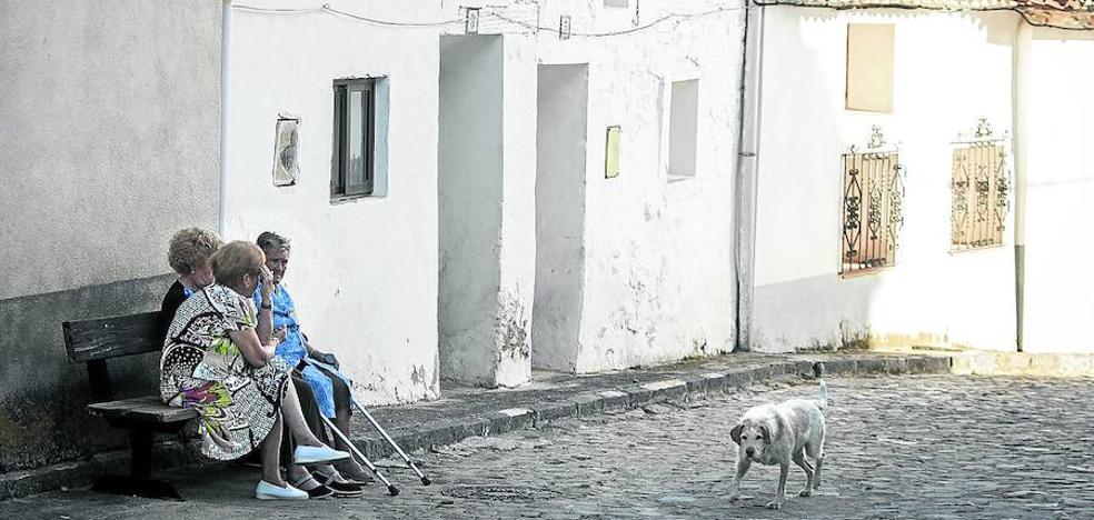 Una empresa busca pensionistas americanos para 'resucitar' pueblos de España
