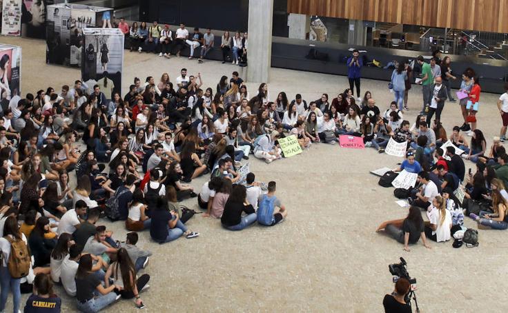 Protesta de los alumnos de la UVA en Segovia