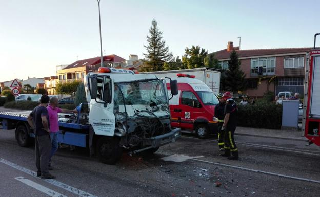 Dos camiones implicados en un accidente en Peñafiel
