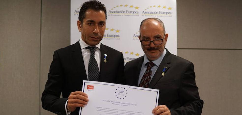 Javier Meléndez recibe la Medalla Europea al Mérito en el Trabajo