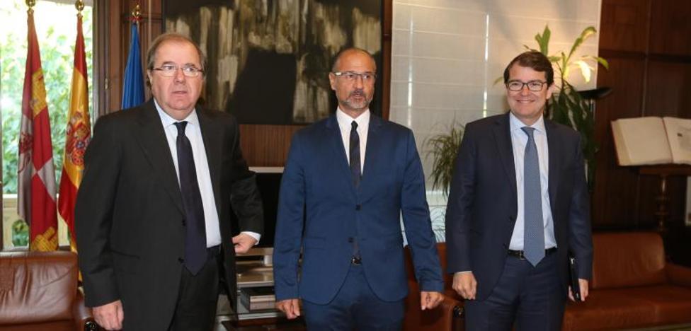 La Junta y Ciudadanos pactan 50 medidas con acciones tributarias y de gasto por 500 millones