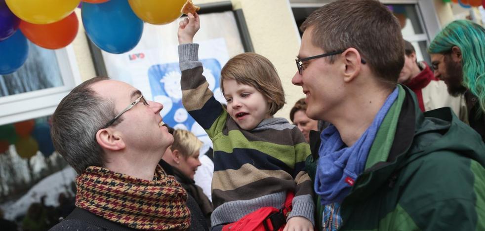 Registran la primera adopción por padres homosexuales en Alemania