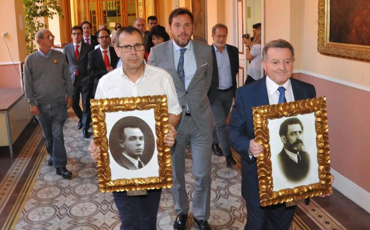 Homenaje a los alcaldes Landrove y Quintana en el Ayuntamiento de Valladolid