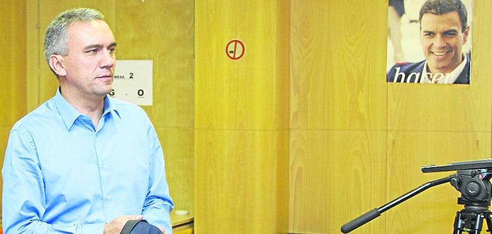 Javier Izquierdo busca el apoyo de los ciudadanos