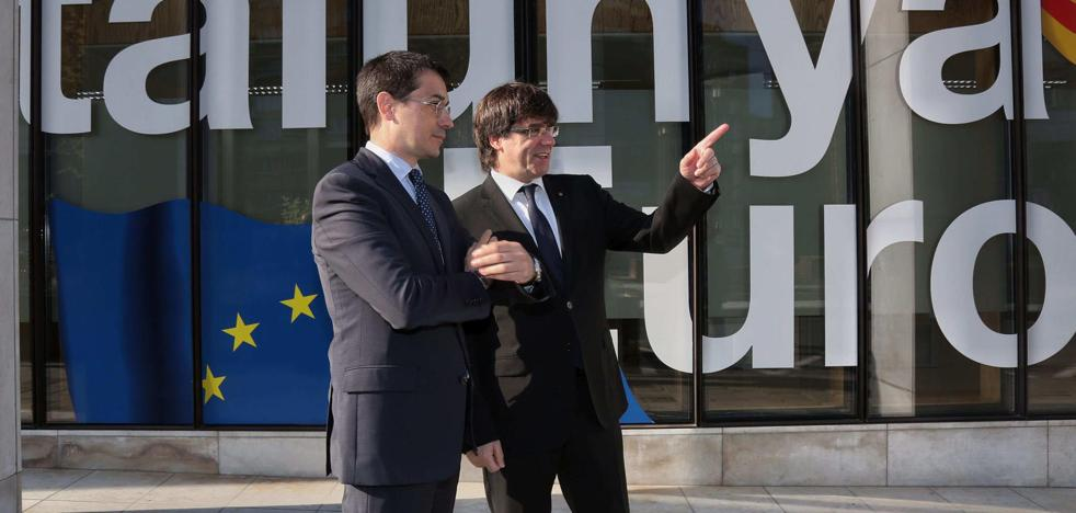 La Comisión Europea insiste en pedir a Puigdemont que «respete el orden constitucional español»