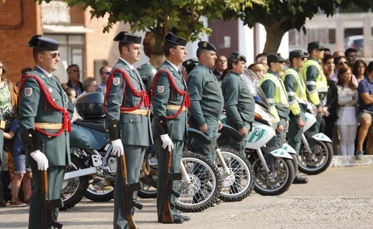 Desfile de la Guardia Civil en la Comandancia de Palencia