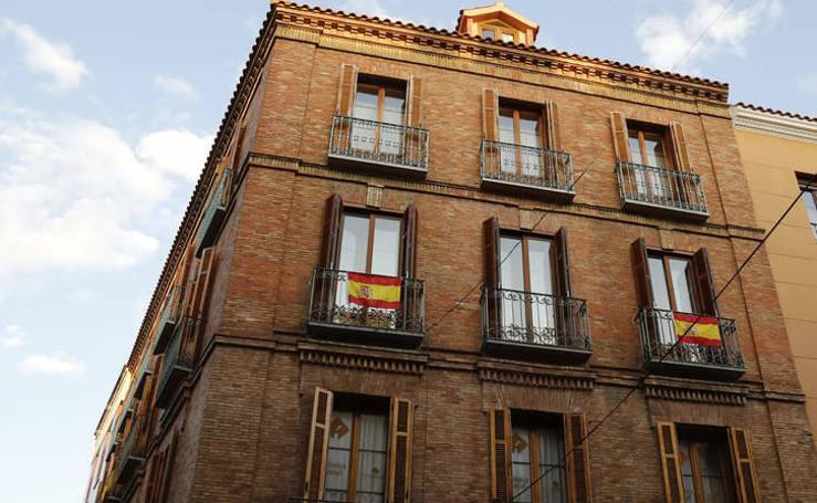 Banderas en los balcones de Palencia