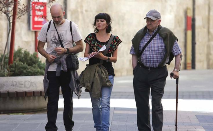 Los turistas visitan Palencia durante el puente