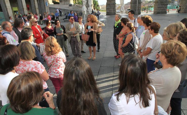 Caminata teatralizada de las jornadas teresianas en Segovia