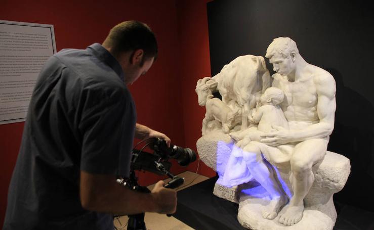 Escaneado en 3D de la escultura 'Hermanitos de Leche'