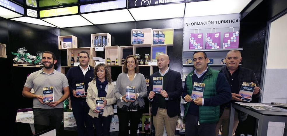 El punto turístico y de venta de Alimentos de Palencia en la Estación cumple un año
