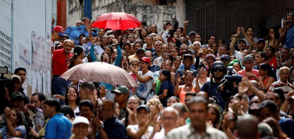 Venezuela vota tras meses de confrontación en las calles