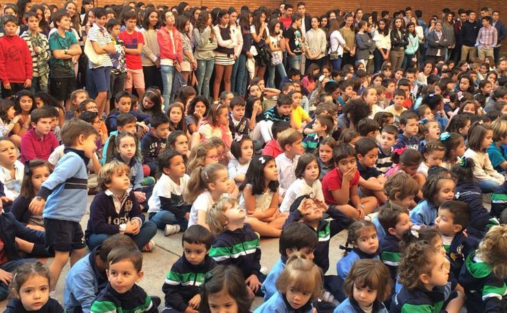 El colegio Santa Teresa de Jesús de Valladolid celebra su fiesta