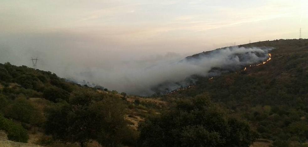 La Junta rebaja a nivel 1 el incendio en Las Arribes que llegó hasta Villarino