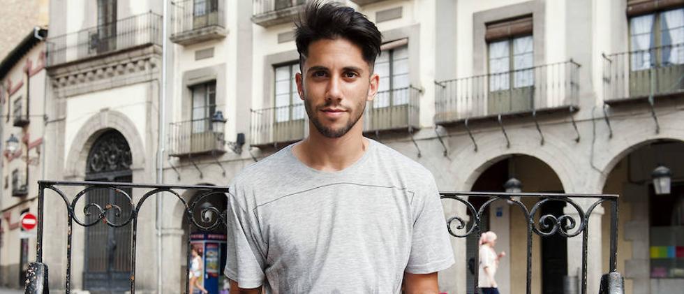 Fernán Ferreiroa, jugador gallego de la Gimnástica: «Han desalojado a muchos amigos»