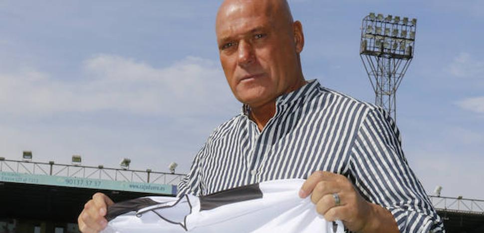 Calderé: «Subir con el CF Salmantino quizá sea mi reto más complicado»
