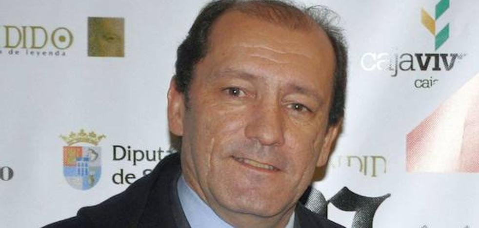 Interior condecora al segoviano César Gómez Garcillán con la Medalla al Mérito Policial