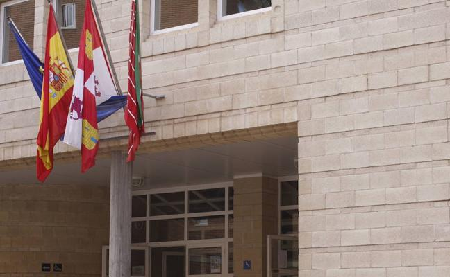 El Ayuntamiento de Zamora invierte 50.000 euros en la mejora de la piscina climatizada de Los Almendros