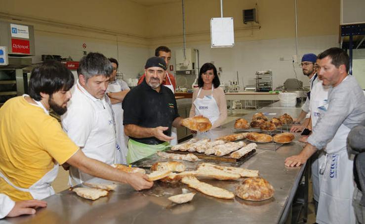Curso para profesionales en el Cetece con motivo de la Semana del Pan de Palencia