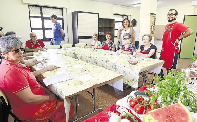 El Ayuntamiento oferta más de 1.200 plazas para talleres ocupacionales y deportivos de mayores