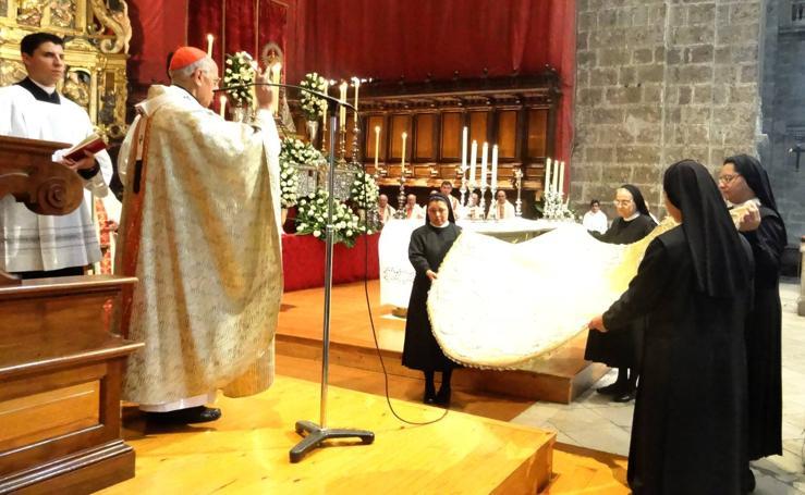 Eucaristía en la Catedral con motivo de la celebración del centenario de la coronación de la Virgen San Lorenzo