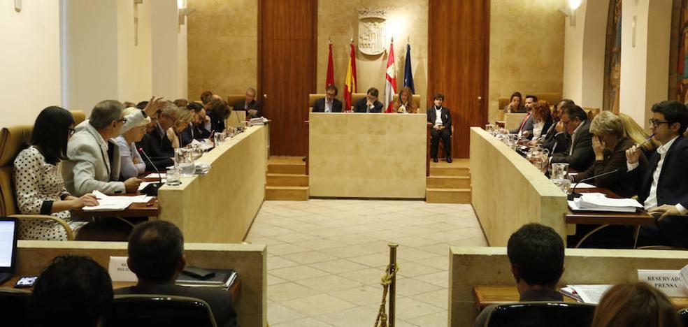 PSOE y Ganemos desacreditan a C's por pactar con el PP los tributos municipales